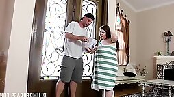 Anal Delivery for young bitch Savana Blue hardcore with cumshot