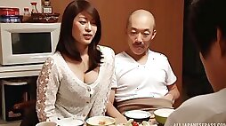 Flirty Japanese babe fucks after the fist date
