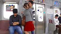 UMSO asian girl in bus public