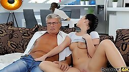 Boyfriend is busy so why babe has sex with his old father