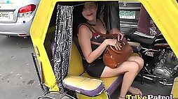 Filipina escort Maryann serves foreign guest at the highest level