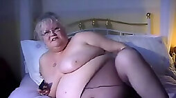 White mature lady wants to give me blowjob fuck