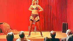 Blonde amateur milf slut spreads her legs for three men on the chair