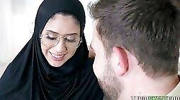 Shy Arab babe wearing hijab Angel Del Rey turned to be anal insane bitch