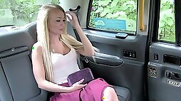 Carmel Anderson gives bj rimjob then fucks the cab driver on the backseat