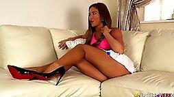 British temptress Natalia Forrest spreads legs wide open